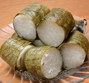 https://bayuharyadi.files.wordpress.com/2010/07/lemang.jpg?w=298